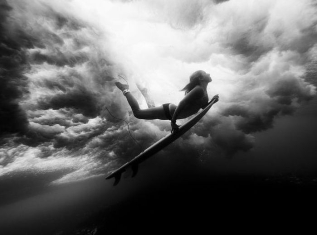 Underwater-Surfer-Girl